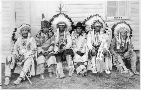 feather headress indians